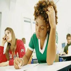 Guide to Hiring Online Custom Essays Services for Report Writing